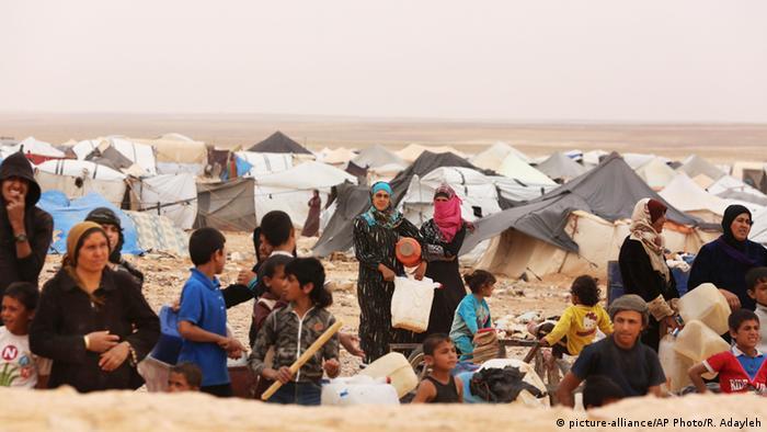 Syrien Jordanien Grenze Flüchtlinge warten