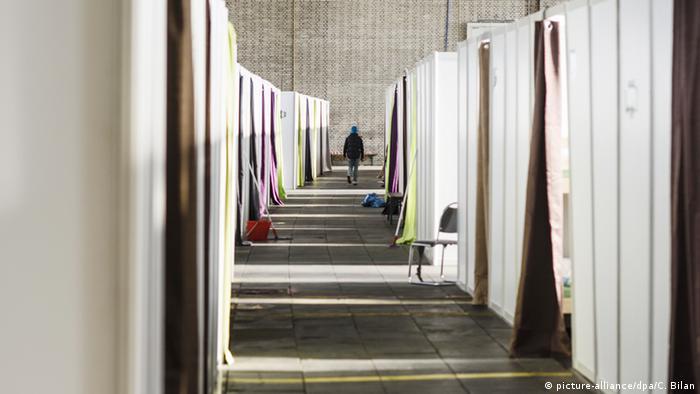 Deutschland Berlin Flüchtlingsheim Tempelhofer Feld