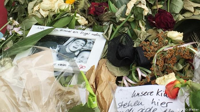 A framed photo of Niklas at the memorial. (Photo: DW/ C. Bleiker)