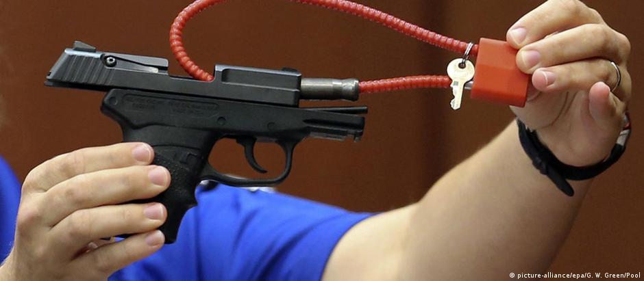 Revólver foi arrematado por 250 mil dólares