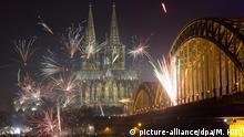 Köln Dom Silvester Feuerwerk