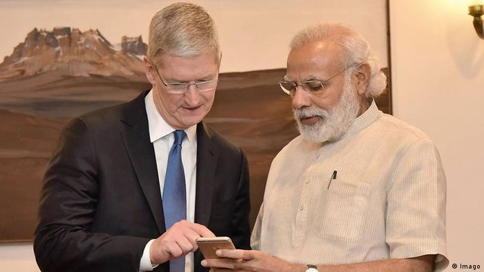 Tim Cook und Narendra Modi in Neu Delhi (Imago)