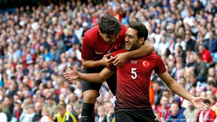 Чалханоглу на товариському матчі Англія - Туреччина