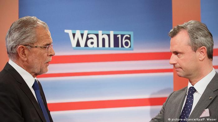 Left-leaning Van der Bellen leads Austrian vote