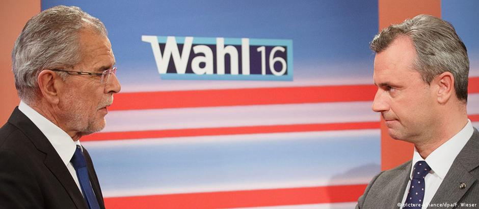 Alexander van der Bellen conseguiu superar candidato populista de direita Norbert Hofer por 0,6 ponto percentual