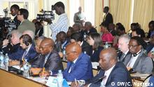 Tanzania Arusha Friedensgespräche mit ehemaligem Präseidenten Bejamin Mkapa