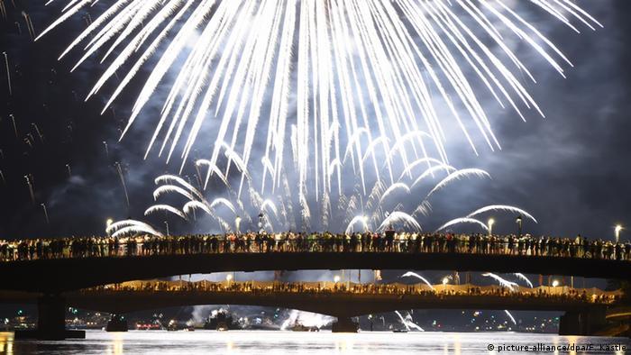 Deutschland Konstanz Seenachtsfest Feuerwerk