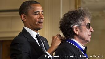 Barack Obama homenageia Bob Dylan em Washington
