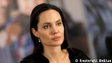 ARCHIV 2015 ***** United Nations High Commissioner for Refugees (UNHCR) Special Envoy Angelina Jolie attends a news conference as she visits a Syrian and Iraqi refugee camp in the southern Turkish town of Midyat in Mardin province, Turkey, June 20, 2015. REUTERS/Umit Bektas/File Photo © Reuters/U. Bektas