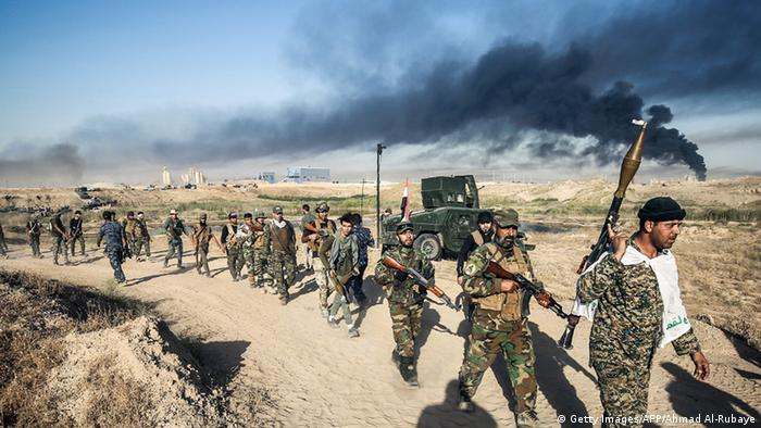 Irak Fallujah Soldaten beim Vormarsch
