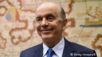 Amorim estranhou o tom de José Serra (foto) ao rebater as críticas de países latinos sobre o processo de impeachment contra Dilma