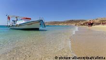Griechenland Küste Strand Mykonos Insel Boot Touristen