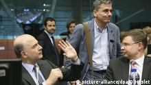 Pierre Moscovici Euclid Tsakalotos Valdis Dombrovskis (picture-alliance/dpa/O.Hoslet)