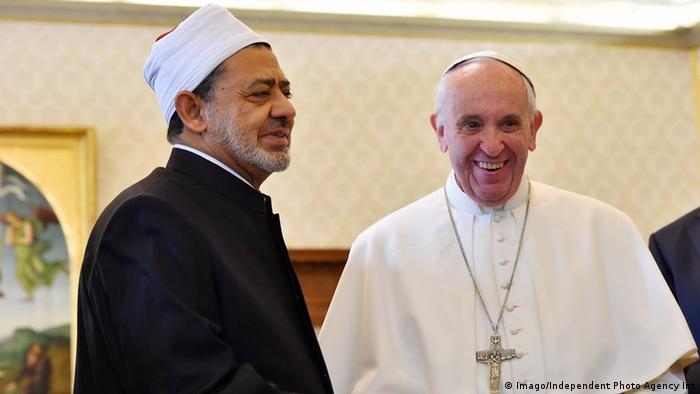 Vatikan Großimam Ahmed al-Tajib und Papst Franziskus (Imago/Independent Photo Agency Int)