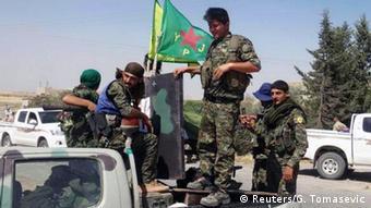Syrien Krieg YPG kurdische Kämpfer der People's Protection Units (Reuters/G. Tomasevic)