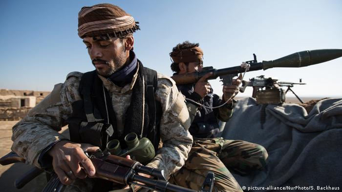Syrien Krieg - Kämpfer des Al Shammar Stammes