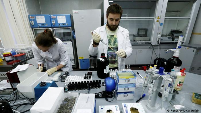 В московской антидопинговой лаборатории, май 2016 года