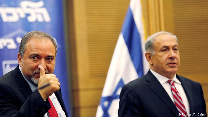 Avigdor Lieberman (izqda.) y Benjamín Netanyahu.