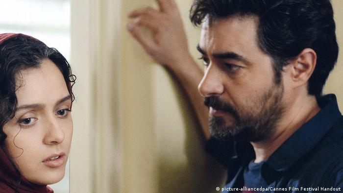 Negar Nemati, Designerkleidung Filmstill mit Taraneh Alidoosti and actor Shahab Hosseini (picture-alliancedpa/Cannes Film Festival Handout)