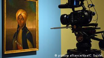 Портрет Махбубы на выставке в Бонне