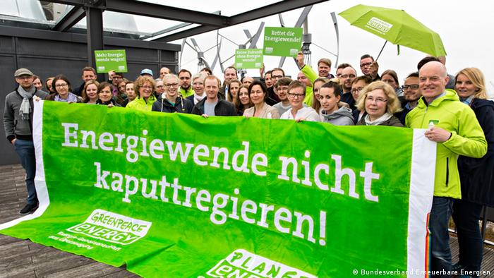 Protestors demonstrate against energy transition reforms from the German government - photo credit Bundesverband Erneuerbare Energien
