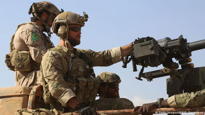 Amerikan özel timleri YPG'ye eşlik ediyor.
