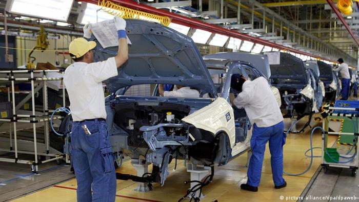 Autofabrik von GM in Schanghai (picture-alliance/dpa/dpaweb)