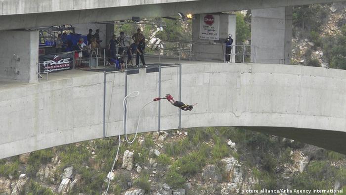 Bloukrans Brücke in Südafrika Bungee Jumping