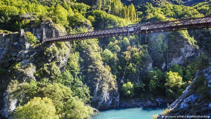 Kawarau Brücke in Neuseeland Bungee Jumping
