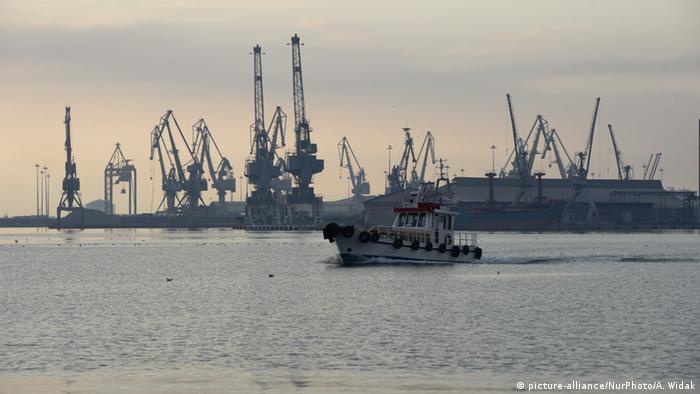 Griechenland Thessaloniki Hafen (picture-alliance/NurPhoto/A. Widak)