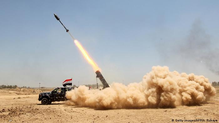 Iraqi troops soften up Islamic State positions as they advance on Fallujah