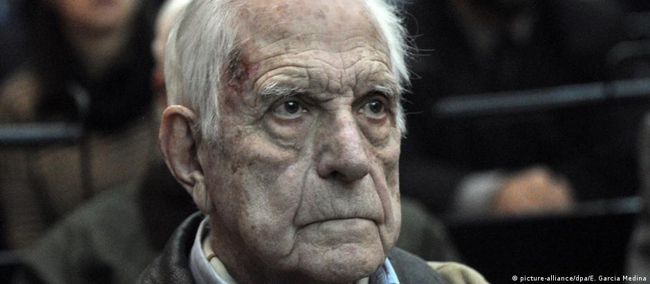 O ex-ditador argentino Reynaldo Bignone foi condenado a 20 anos de prisão
