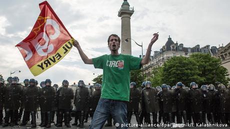 Εκρηκτική πολιτική άνοιξη στη Γαλλία