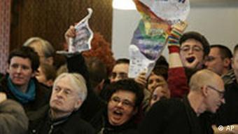 Proteste während Kaczynski-Rede
