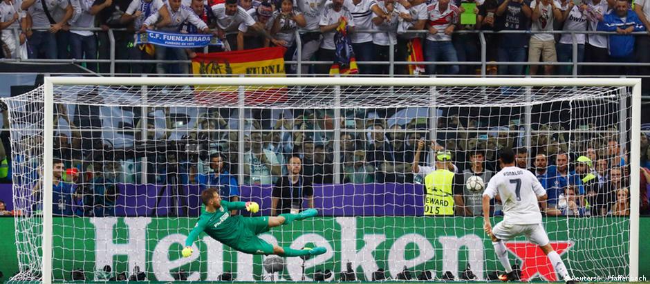 Cristiano Ronaldo cobrou o último pênalti da série do Real Madrid