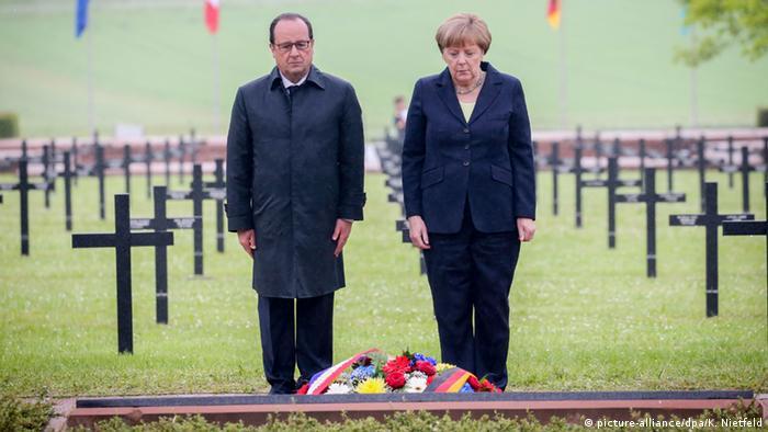 O presidente da França, François Hollande, e a chanceler alemã, Angela Merkel, lembram cem anos de Verdun