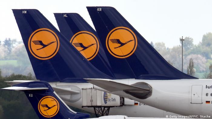 Symbolbild Lufthansa (Getty Images/AFP/C. Stache)