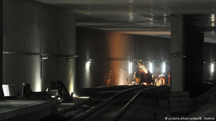 Один тунель - кілька колій