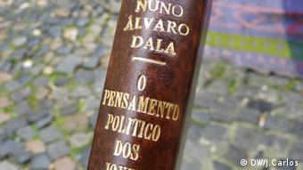 Bild aus dem Buch O Pensamento Político dos Jovens Revús - Discurso e Acção