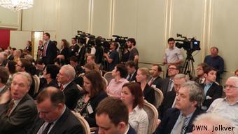 Журналисты в зале конференции.