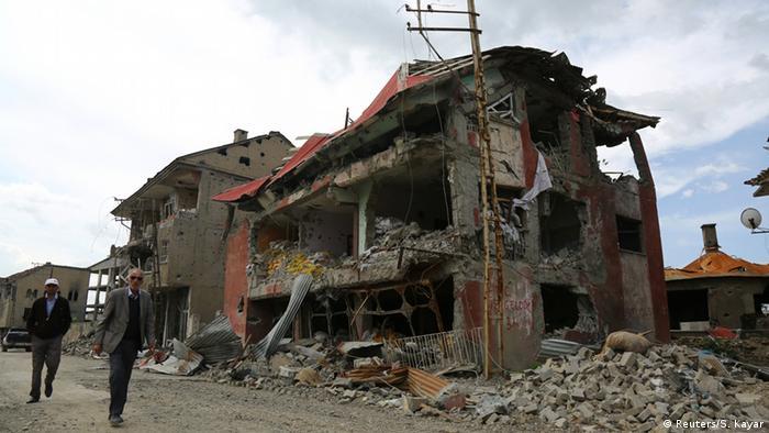 Türkei Kämpfe zwischen Armee und Kurden in Yuksekova