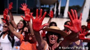 Protesto em Brasília após estupro coletivo
