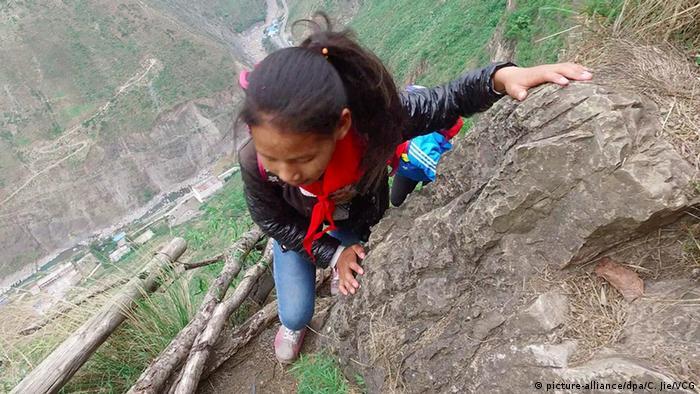 Gefährliche Schulwege in China Sichuan