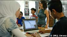 Griechenland Atehn refugees get the chance to study at The Cube Athens