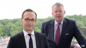 Deutschland Berlin Heiko Maas und Peter Limbourg