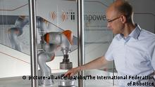 Deutschland KUKA Robotics bei The International Federation of Robotics 2014