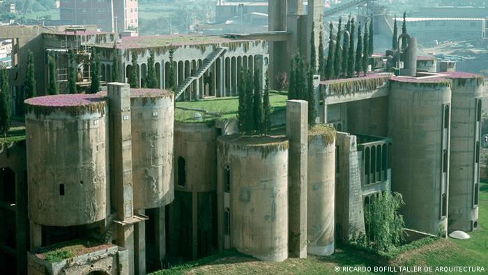 Ricardo Bofill's home in a former cement factory near Barcelona, Copyright: RICARDO BOFILL TALLER DE ARQUITECTURA