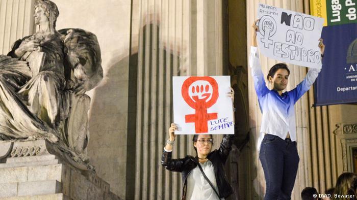 Protesto no Brasil após estupro coletivo