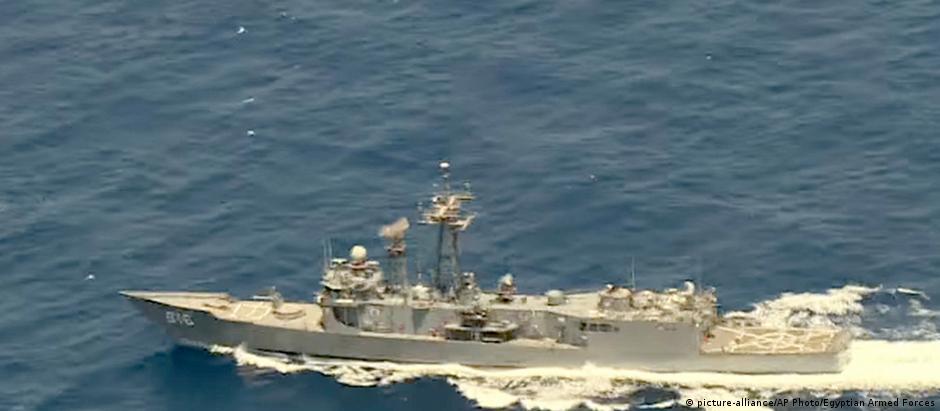 Navio egípcio procura restos do voo MS804 no Mar Mediterrâneo
