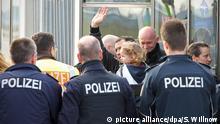 Flughafen Leipzig-Halle Abschiebung abgelehnter Asylbewerber OVERLAY